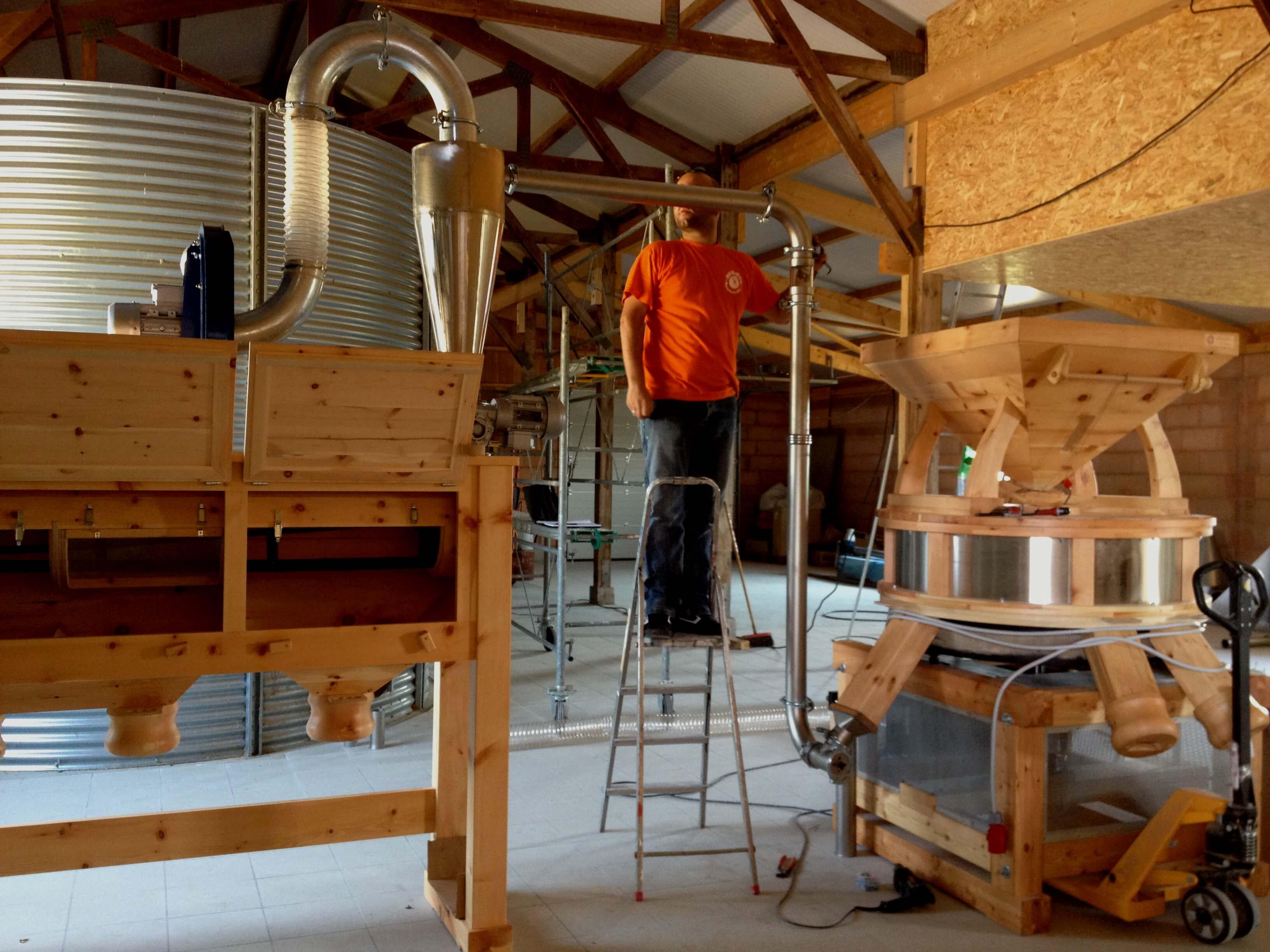 Stockage et distribution pour farine et grain