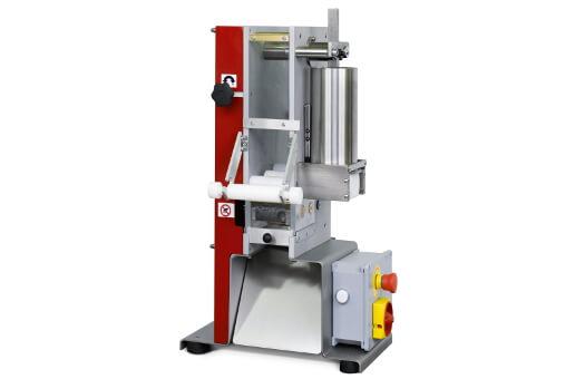 machine-a-pâtes-artisanales-pour-fabrication-de-raviolis