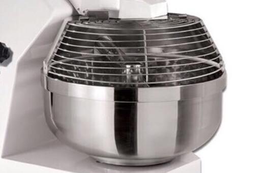 Petrin-Axe-Oblique-cuve-inox-capacite-pâte-25-240-kg