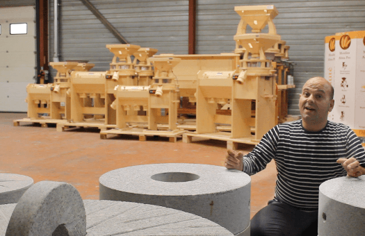 atelier-transformation-cereales-avec-meules-granit