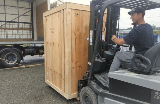 Chargement de votre matériel par un professionnel du transport
